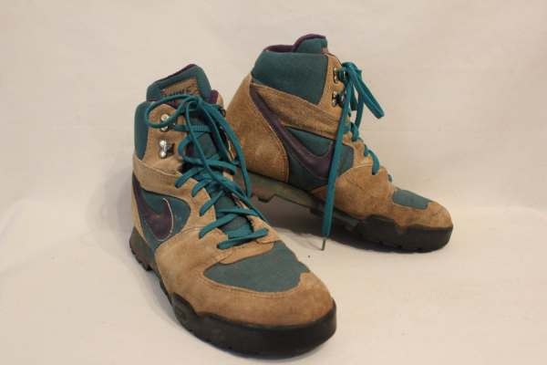 Vintage Womens Nike Hiking Boots Size 9 1 2