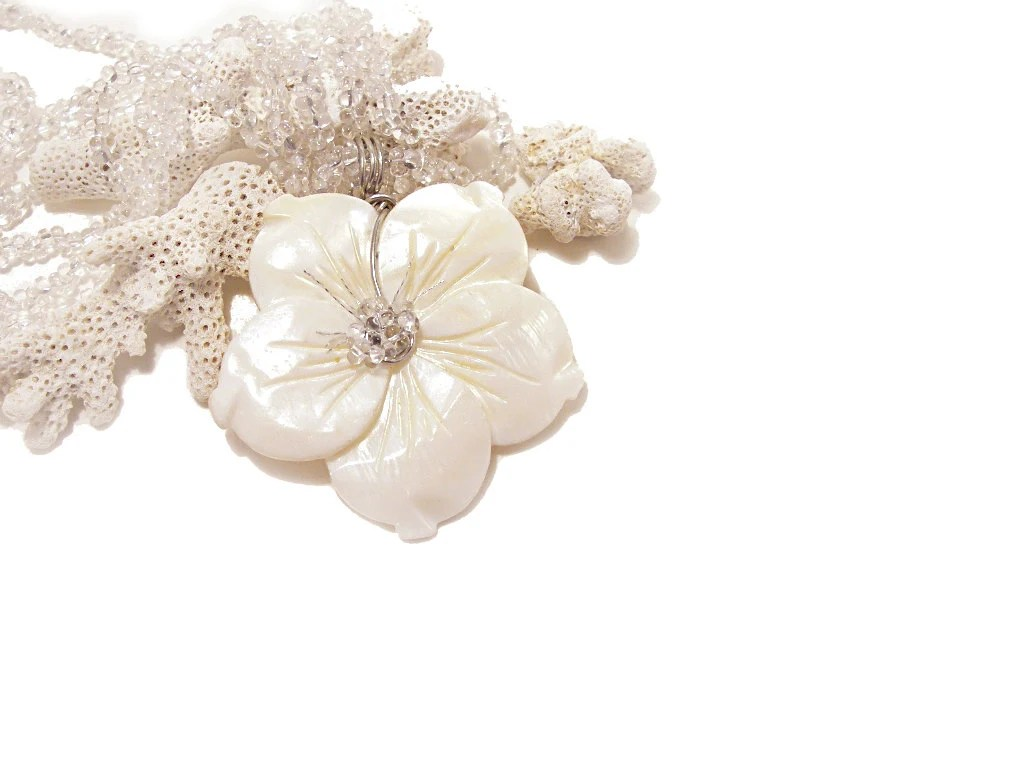 White shell necklace Flower necklace White necklace  flower Bridal necklace Wedding Israeli Jewelry - FestiJe