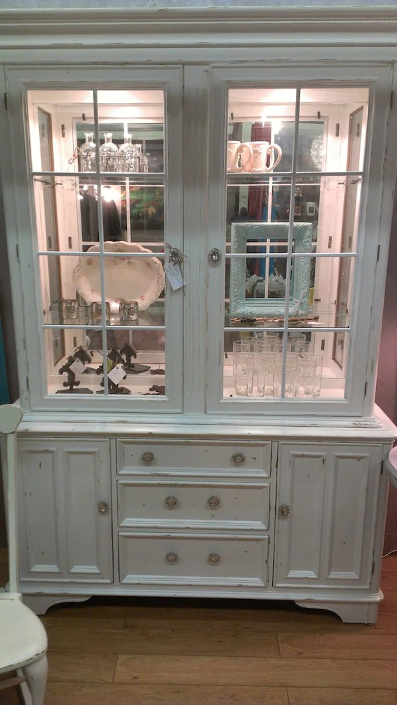 Items similar to Vintage Bernhardt Lighted China Cabinet