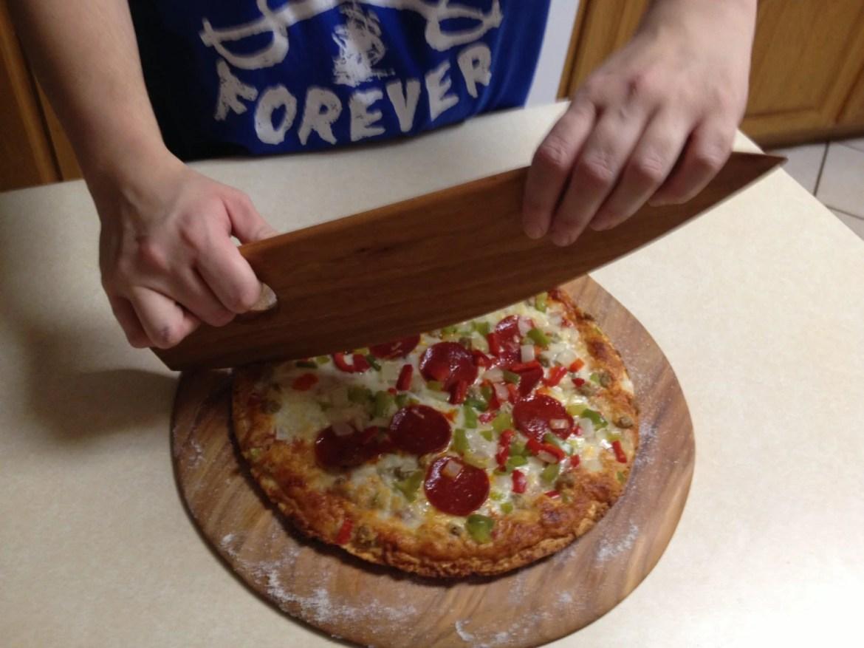 Pizza Cutter Server BLACK WALNUT
