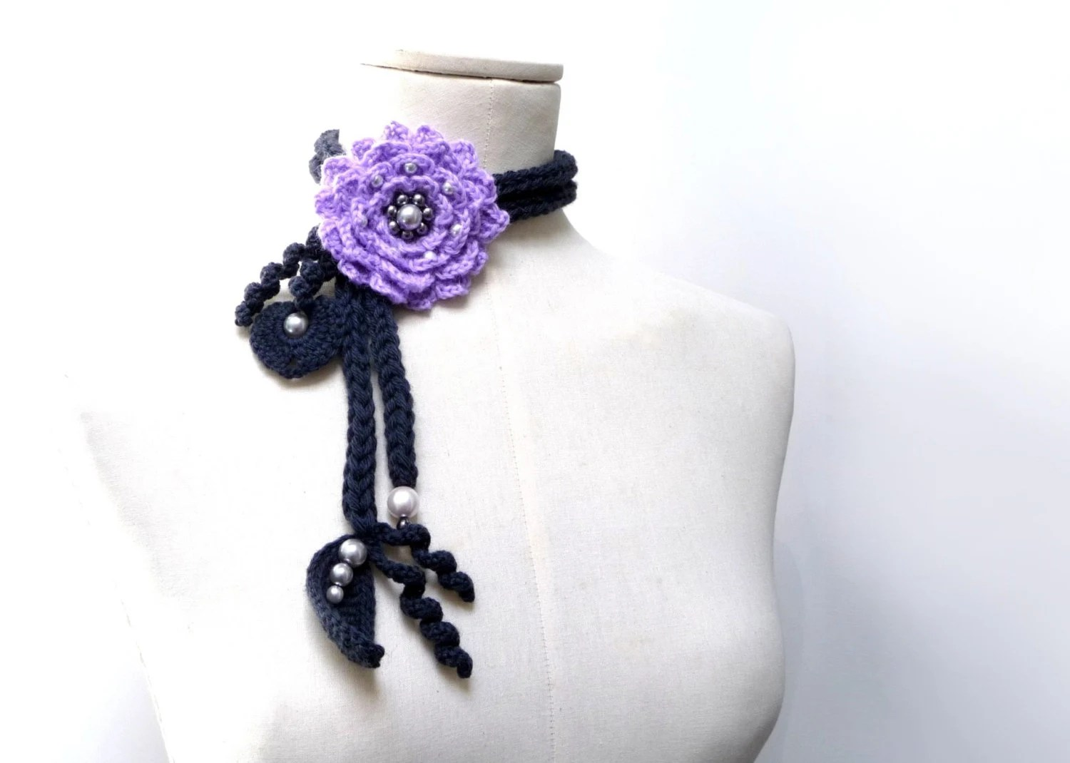 Crochet Lariat Necklace - Lavender, Lilac Flower and Grey Leaves with Glass Pearls - LITTLE PEONY - ixela