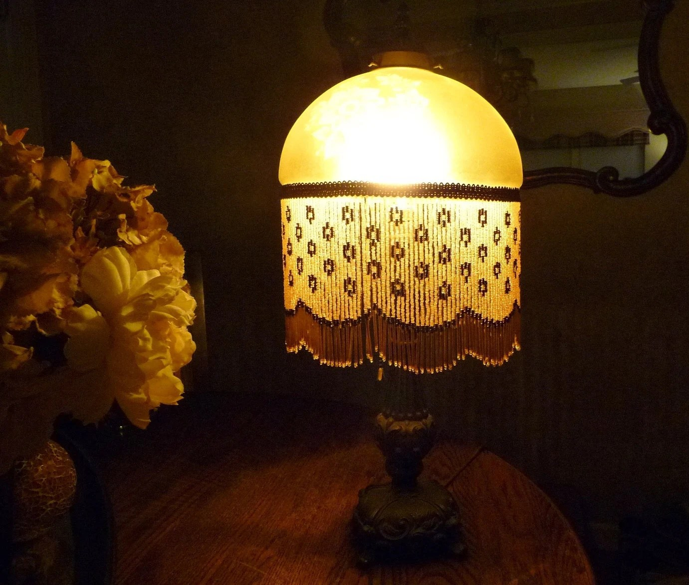Vintage Victorian Table Lamp Gold Etched Glass Beaded Shade