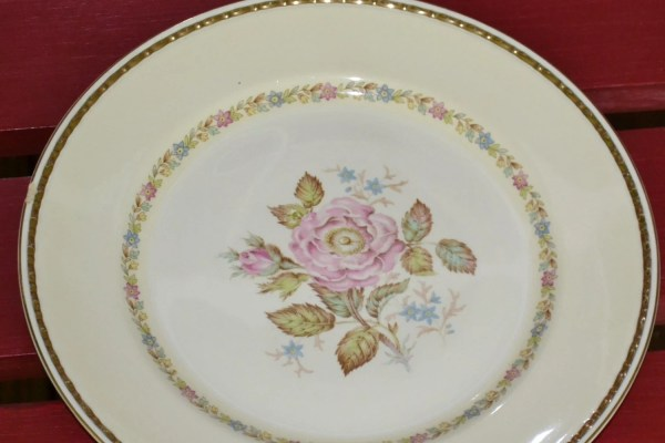 Vintage Homer Laughlin Plate Eggshell Georgian Rose Design
