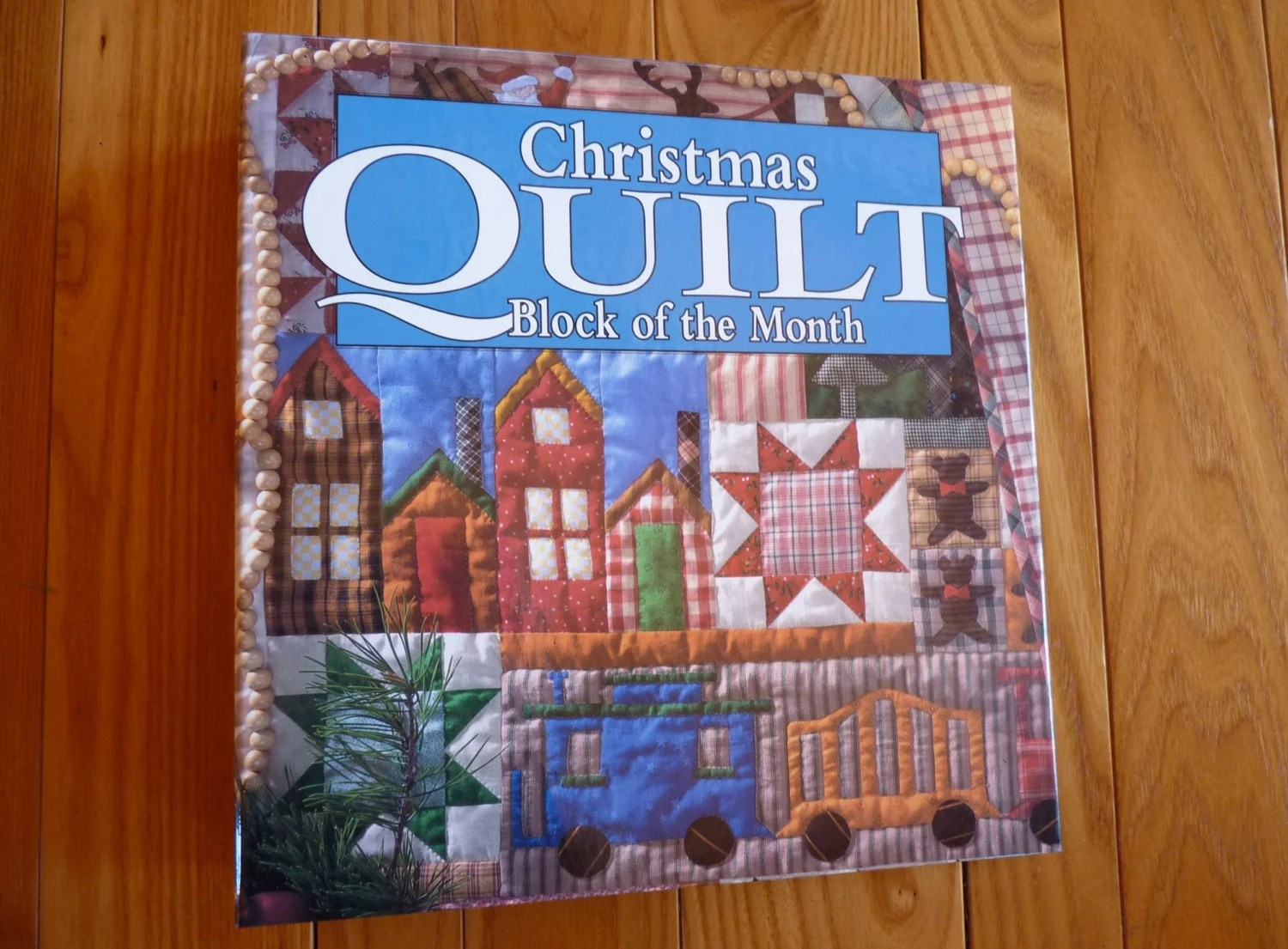 Oxmoor House Christmas Quilt Block of the Month Binder and