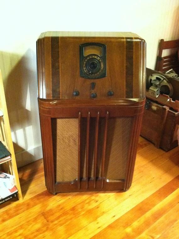 Stunning 1938 Philco AM Shortwave Console Radio