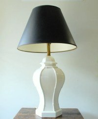 Vintage Hollywood Regency White Ceramic Table Lamp by