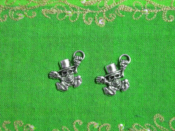 Dead Leprechaun Charm 2 Charms by JewelleryEssentials on Etsy
