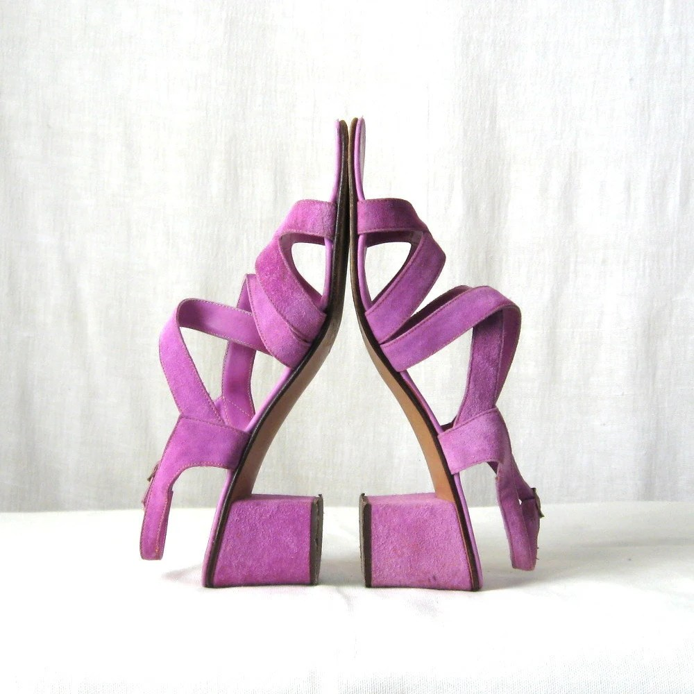 60s Lilac Sandals Strappy Heels Italian Leather Purple Shoes 1960s Sandals sz 9 - ultravioletvintage