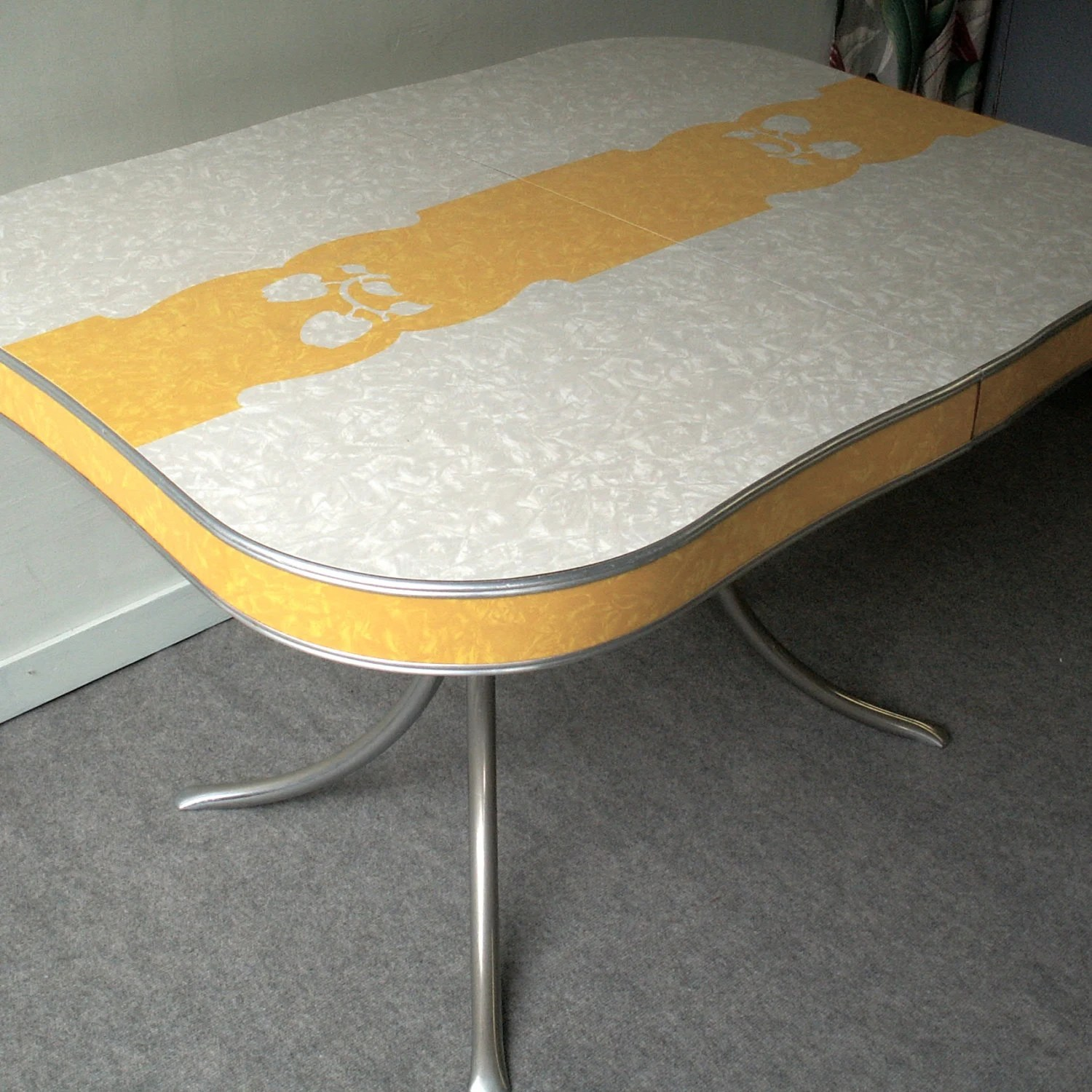 Formica Table And Chairs Vintage Grey And Yellow Formica And Chrome Table