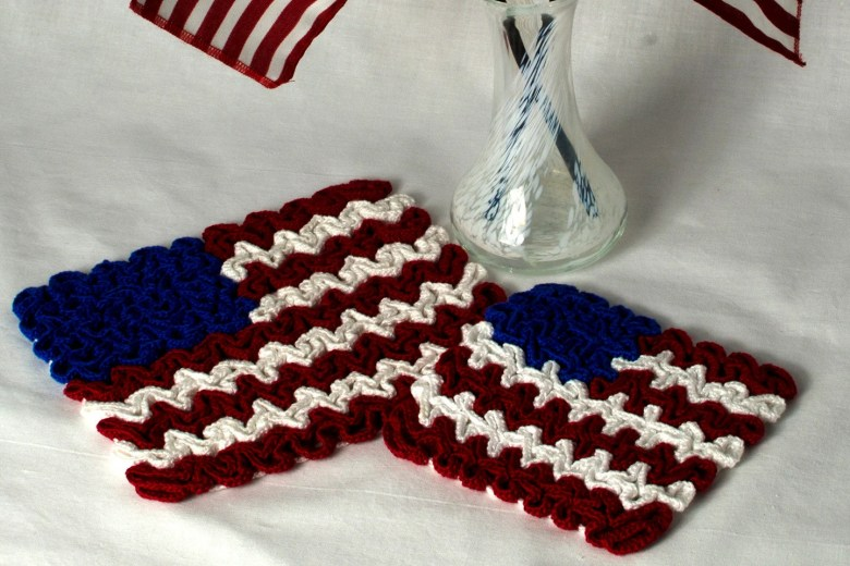 Crochet Coaster Pattern: Wiggly Crochet July 4th Flag Hot Pad & Coaster, PDF download