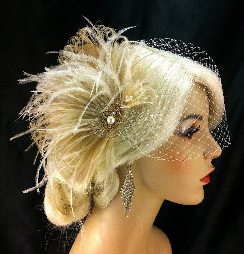 Feather Fascinator, Bridal Fascinator, Feather Fascinator , Wedding Veil, Bridal Headpiece - Ivory and Champagne, Gold or Silver Brooch