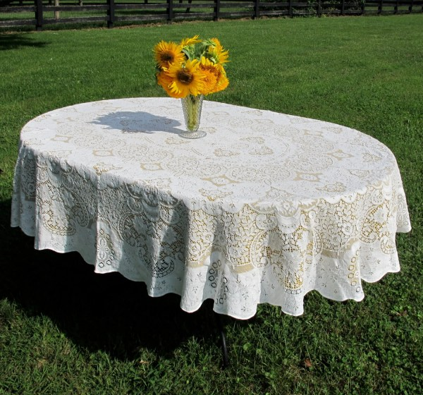 Lace Tablecloth Oval 60 X 76 -white