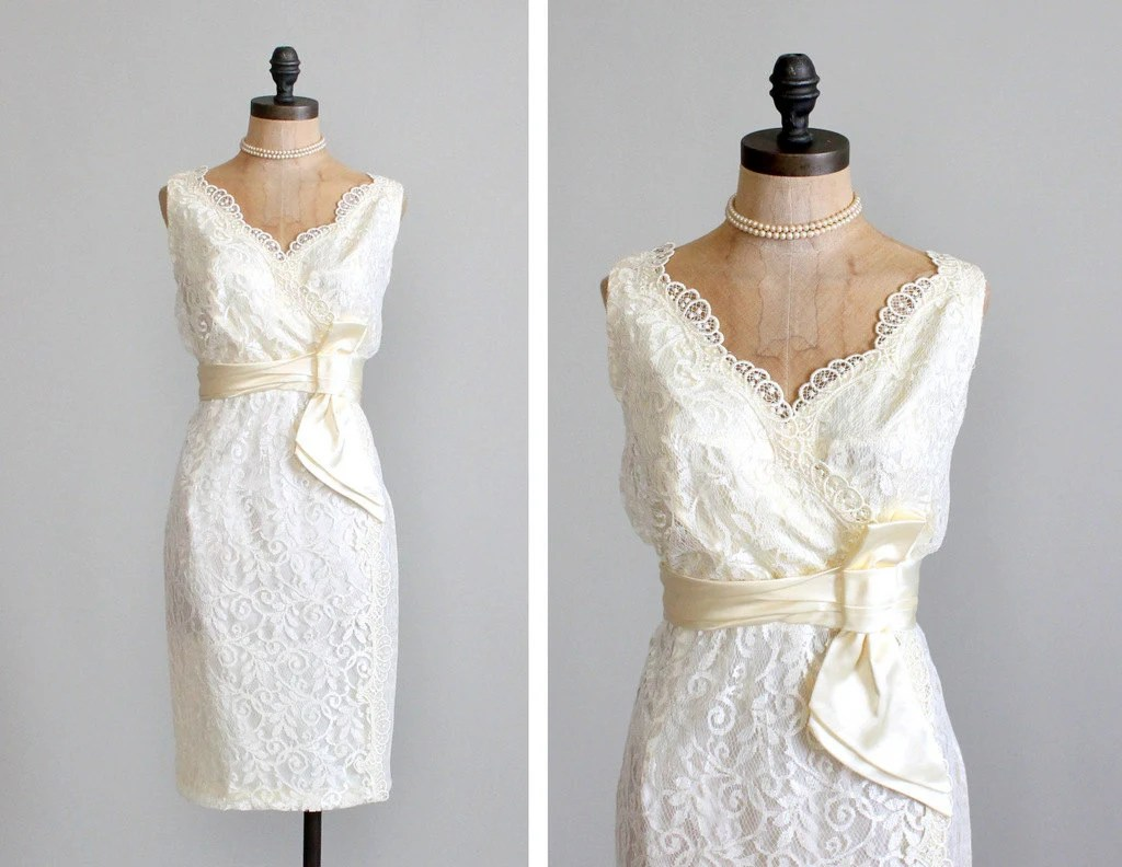 Vintage 1960s Dress : 60s Lace Wiggle Wedding By