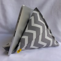 iPad / Kindle Lap Pillow Stand Bean Bag Stand : Gray Chevron