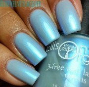 blue nail polish light