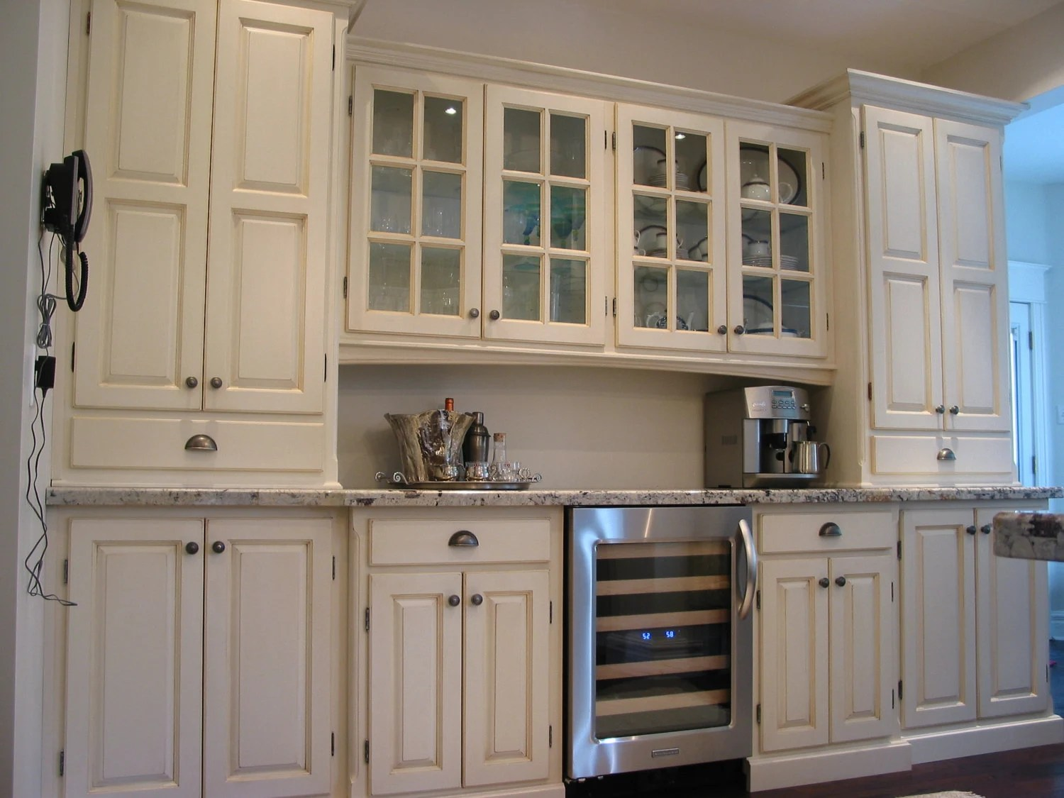 Custom Kitchen / Display Cabinets / Butler's Pantry