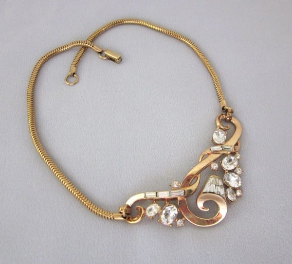 Vintage Trifari Rhinestone Necklace Gold And Clear