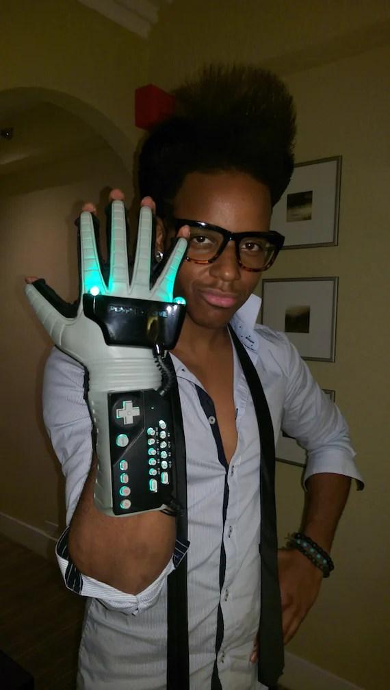 Wearable LED Nintendo Power Glove