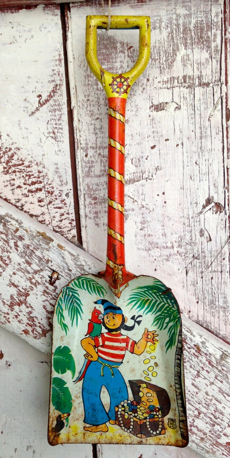 Vintage Childs Shovel spade metal wood by LititzCarriageHouse