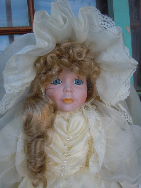 Large Porcelain Bride Doll In Ivory Wedding Dress