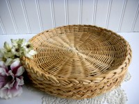 Vintage Wicker Rattan Plate Holders/ Patio Living / Picnic