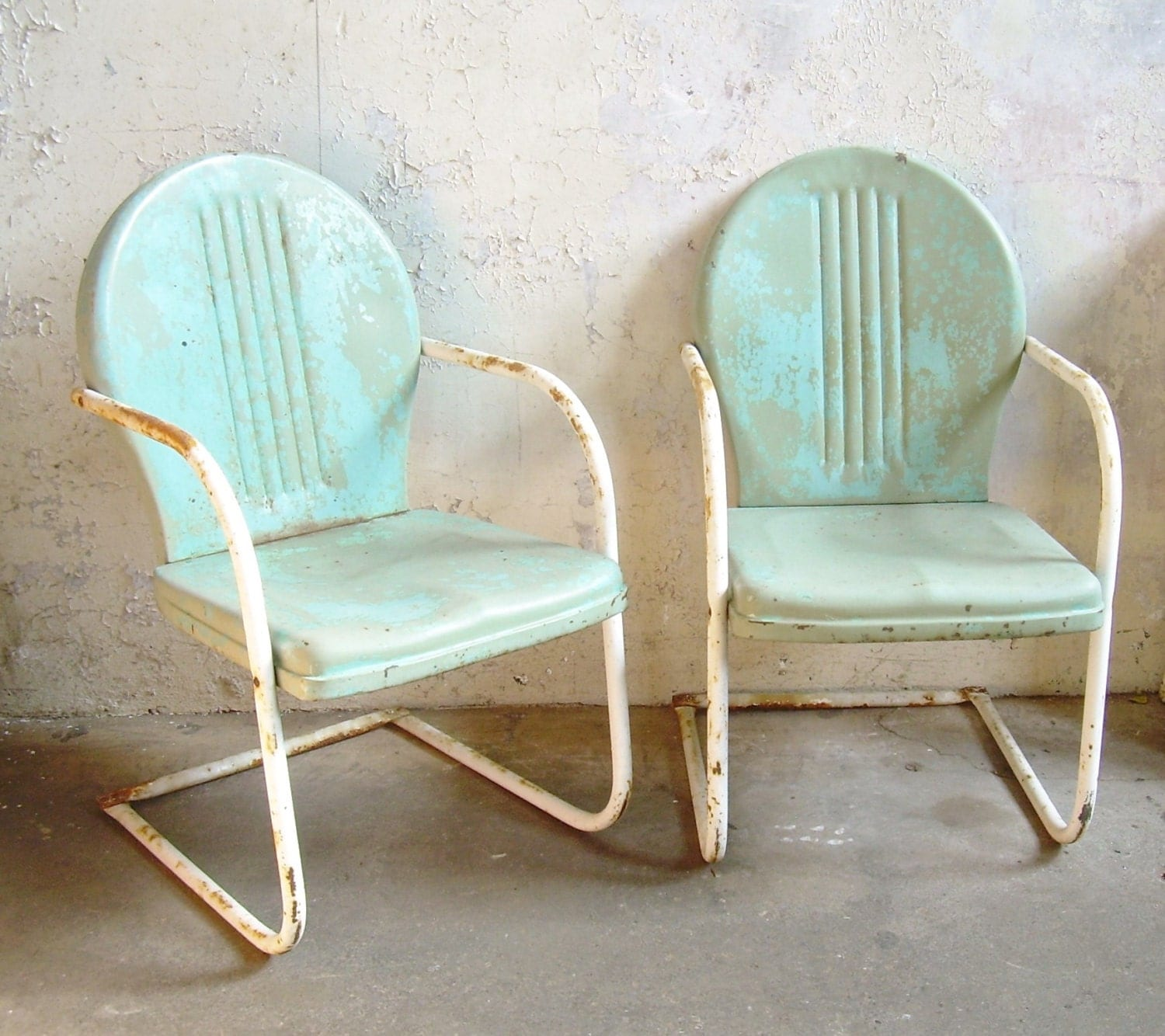 Retro Lawn Chairs Retro Metal Lawn Chairs Pair Rustic Vintage Porch Furniture