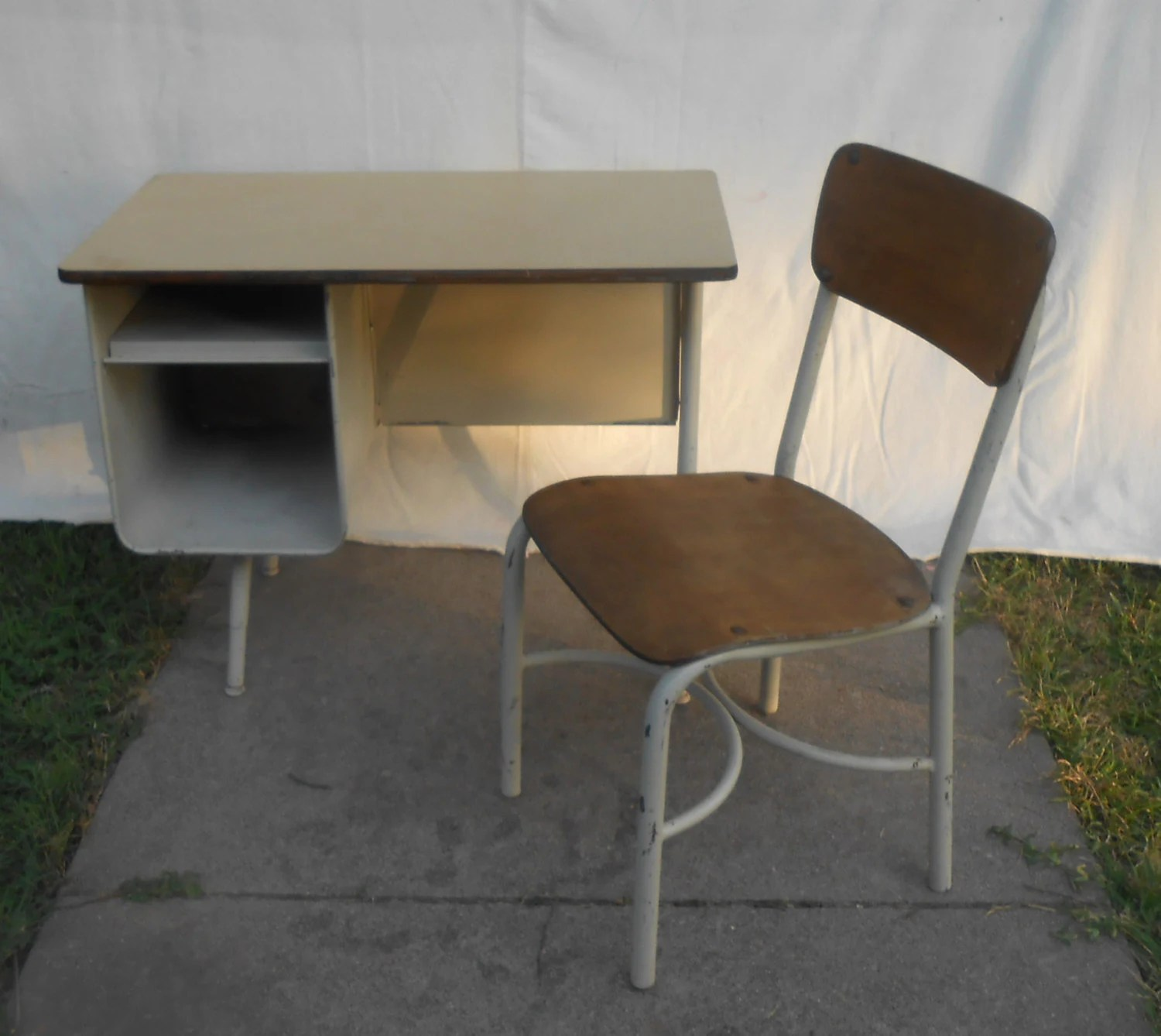 Student Desk And Chair Mid Century Modern Student Desk And Chair By Kissmyattvintage