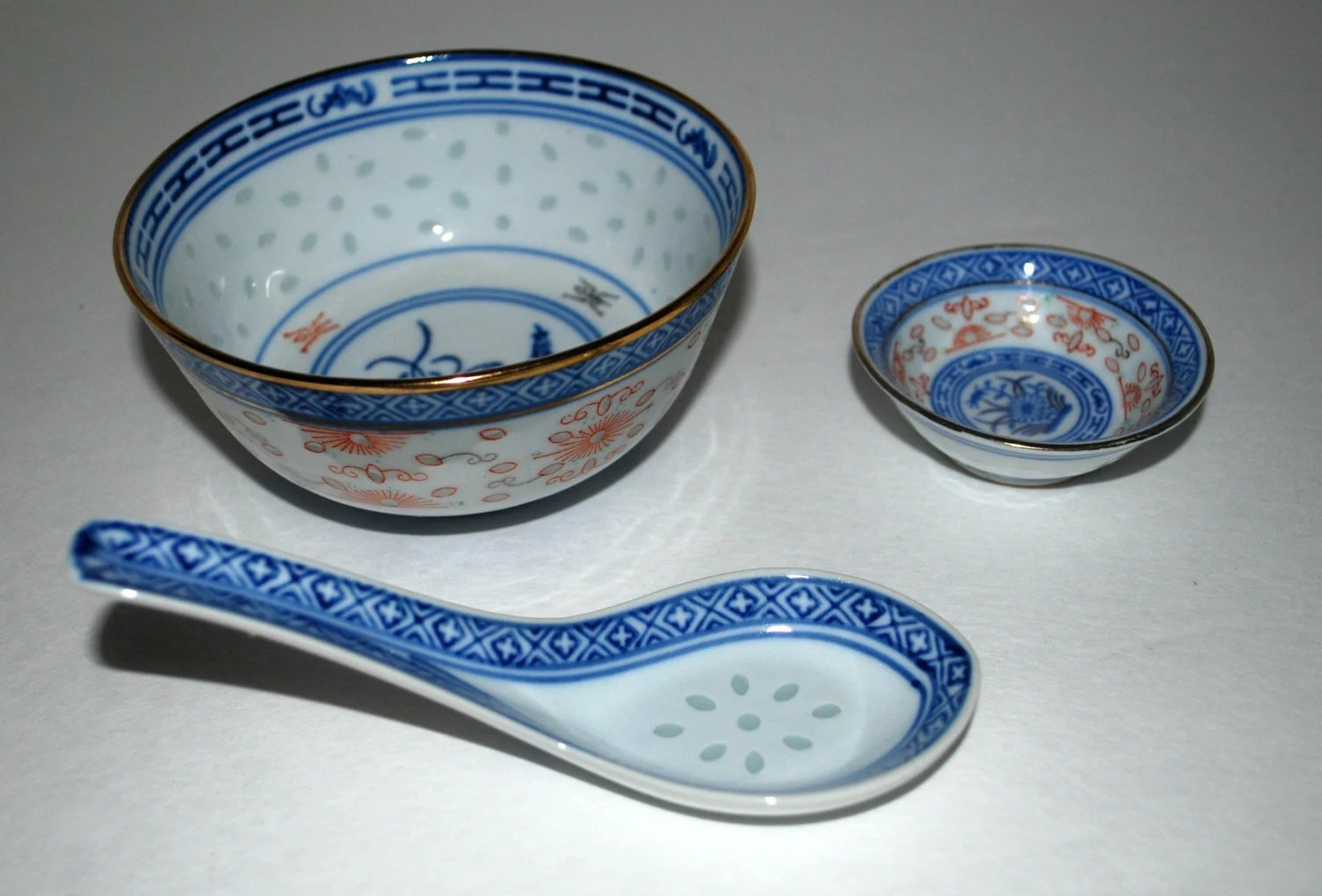 Chinese 3 piece bowl and spoon set Lucky Rice pattern soup