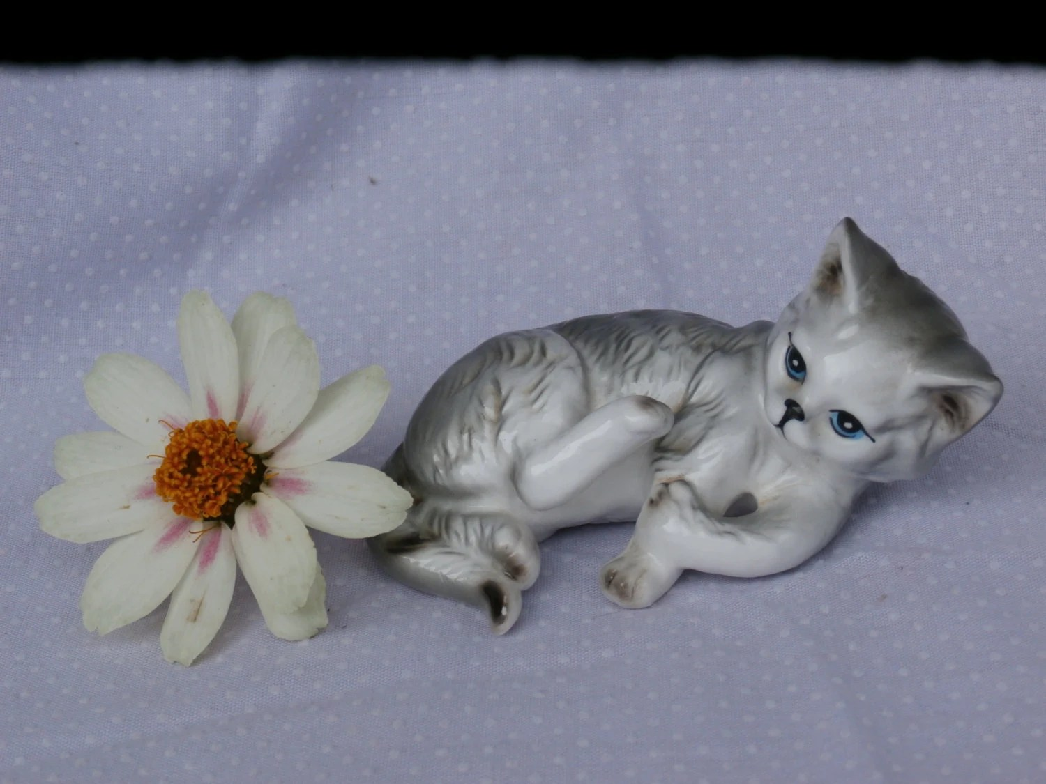 Paws for Thought Vintage Cats of Character Tabby Cat Figurine
