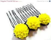 Spring Clearance - Bright Yellow and Black Flower Comb - MegansBeadedDesigns