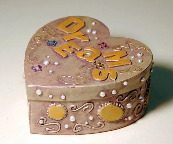 Heart-shaped box of dreams