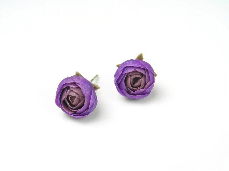 Violet purple polymer clay earrings - polymer clay jewelry - stud earrings - floral earrings - Segitanna