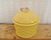 Vintage Ceramic Honey Pot with Bee Honeycomb Basket Pattern - Yellow - MeepnBooVintage