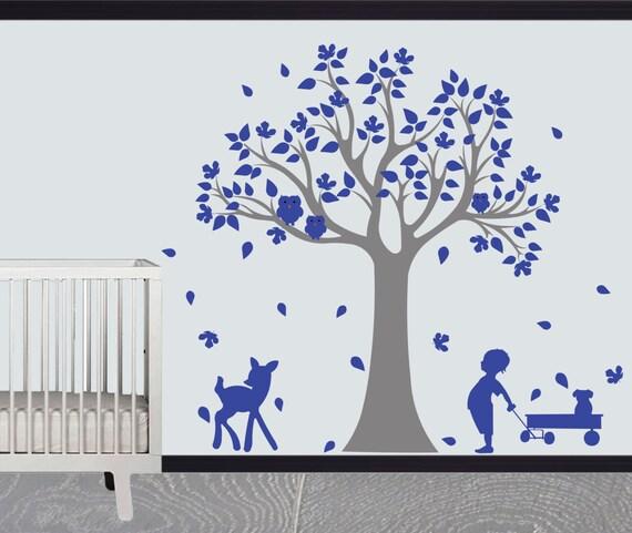 Vinyl tree wall design
