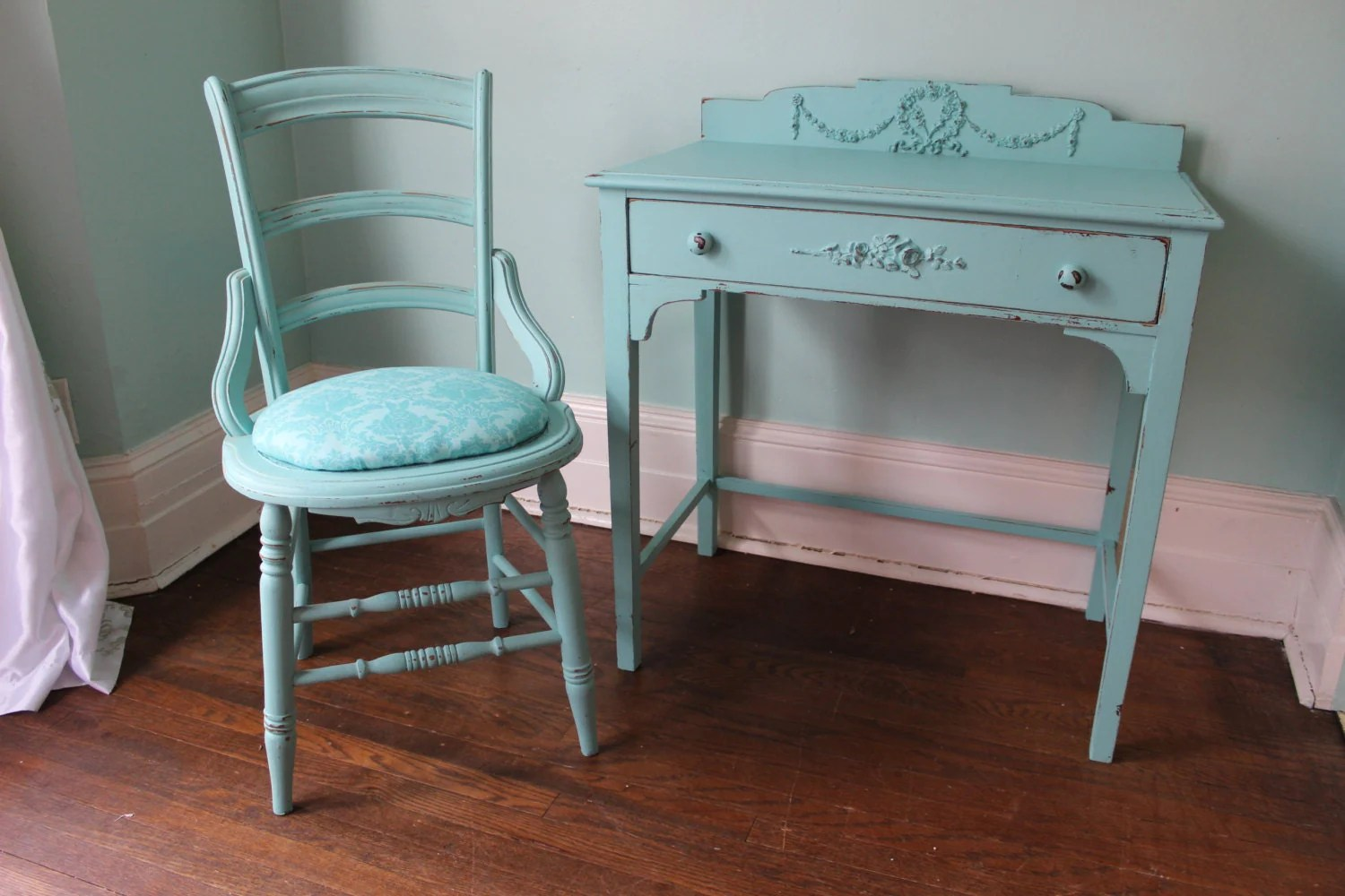 aqua desk chair la z boy delano big and tall executive office shabby chic set turquoise blue distressed