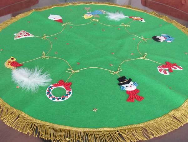 Vintage Christmas Tree Skirt 196039s Bucilla Felt Tree