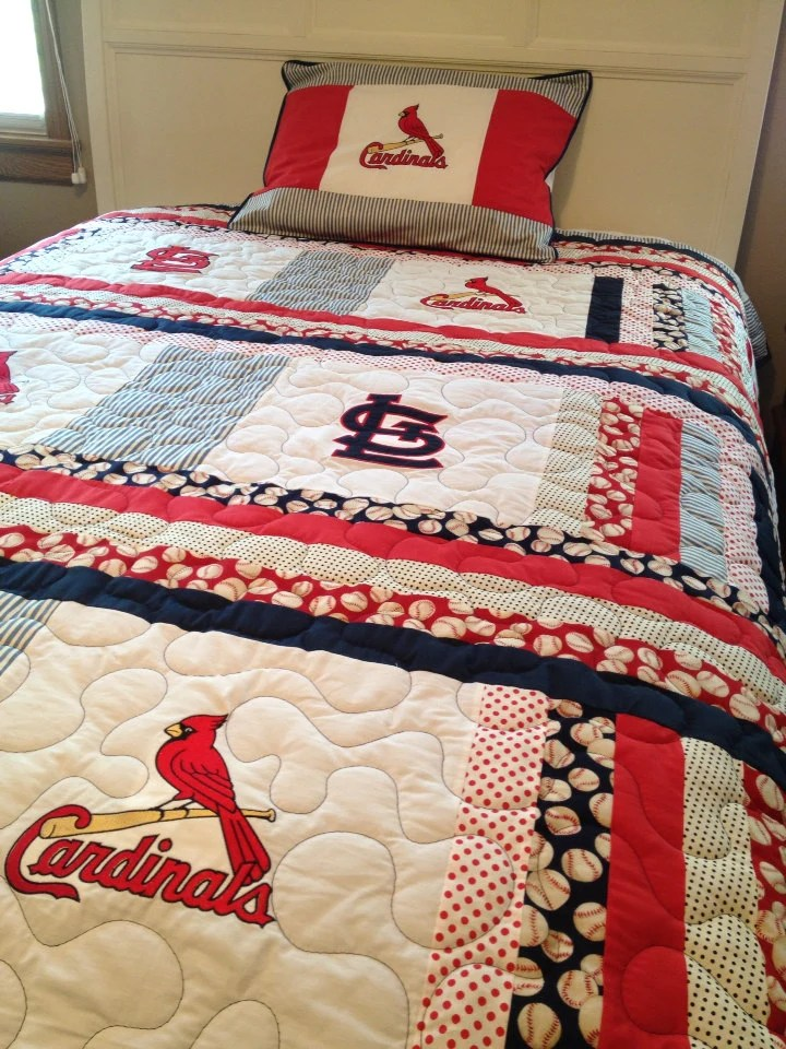 Items similar to St Louis Cardinals twin size quilt with