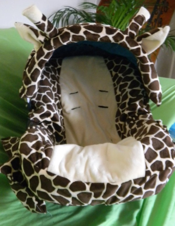 Giraffe Car Seat Cover With Binky Pocketbottle