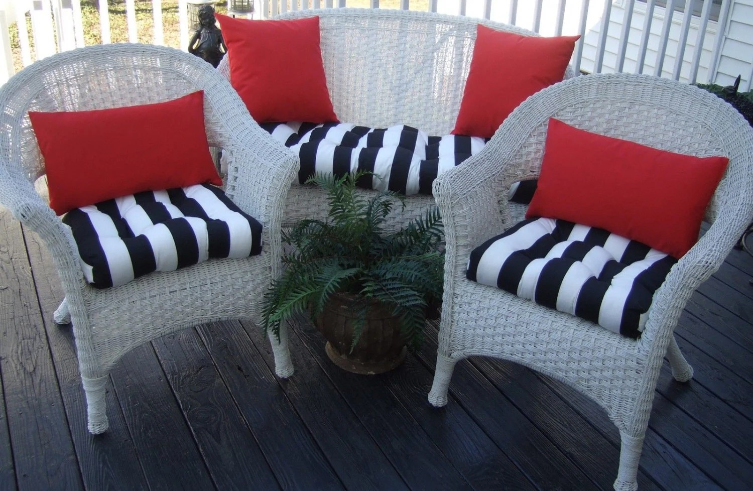 Indoor / Outdoor Wicker Cushion And Pillow 7 Pc Set Black