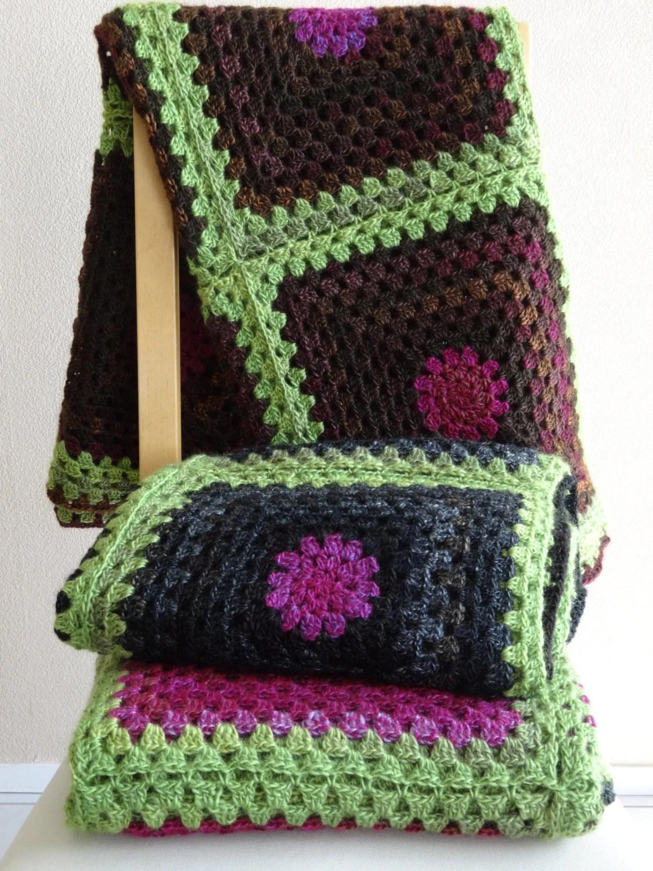 Roze of zwarte deken plaid granny squares lekker zacht en