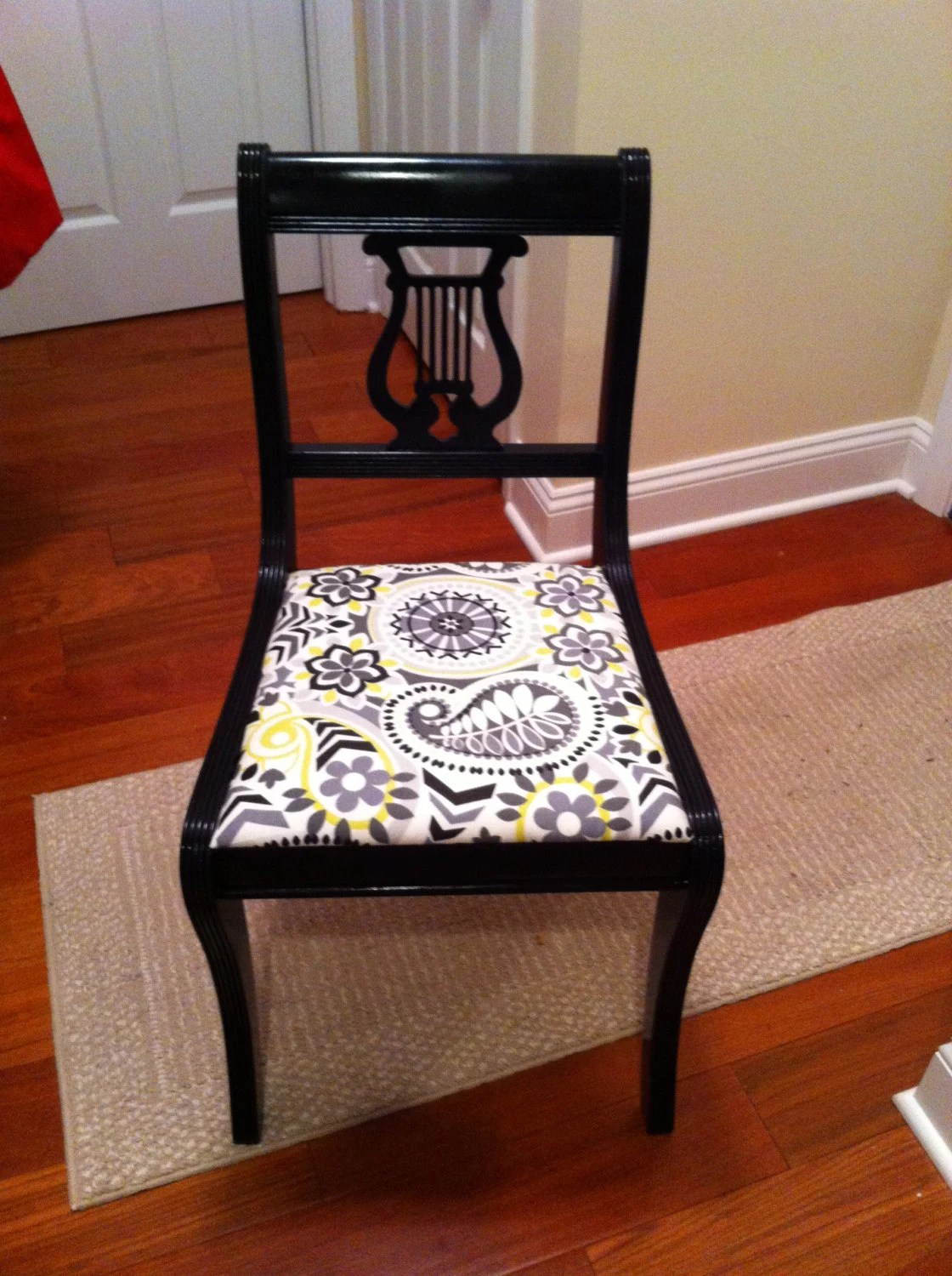 Vintage Accent Chair Vintage Lyre Back Accent Chair Black Gloss
