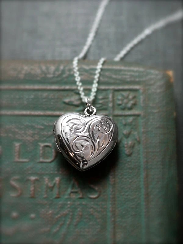 Vintage Sterling Silver Heart Locket Necklace Small