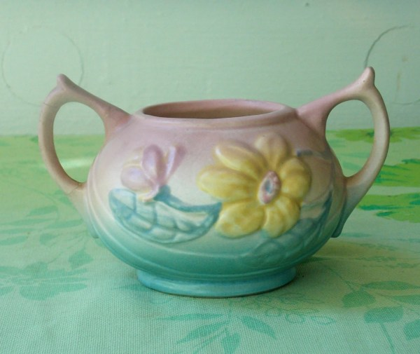Sugar Bowl. Vintage Hull Usa Pottery With Magnolia Blossoms