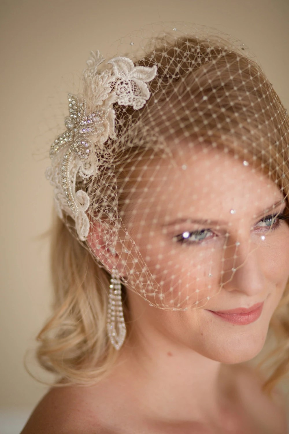 Vintage Wedding Fascinators For Your Vintage Themed Wedding