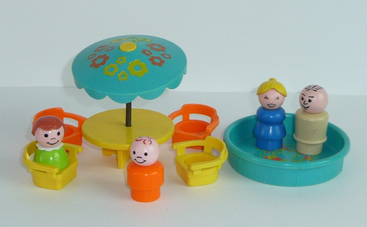 Fisher Price Table And Chairs Vintage Fisher Price Little People Patio Table With Chairs
