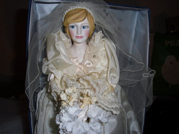 Royal Doulton Porcelain Princess Diana Bride Doll 1984