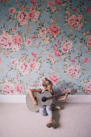 floral wallpapers rooms flower girly wall cutesie pattern bedroom decor feminine patterns flowers background homedit vinyl anewall rose happens utilize