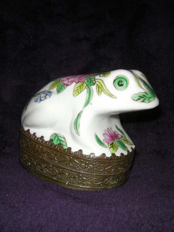 Vintage Ceramic Frog Mirrored Trinket Box