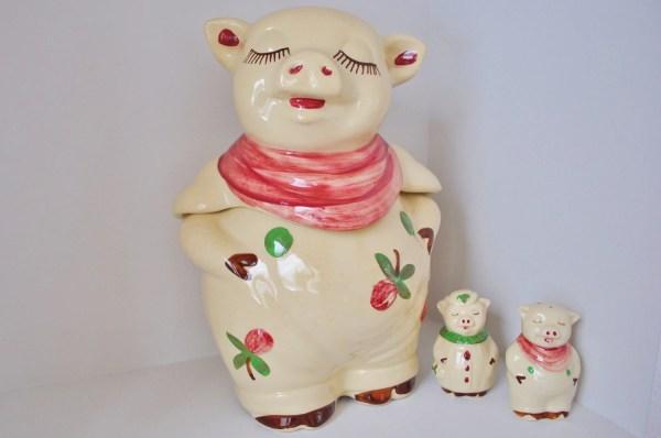 Vintage Shawnee Smiley Pig Cookie Jar And Salt Pepper Set