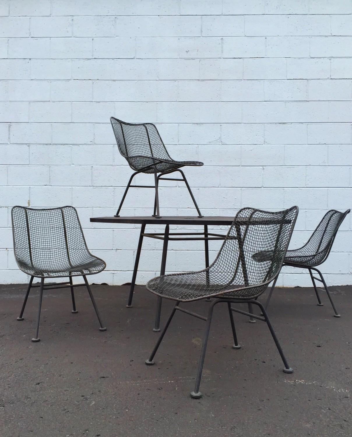 5 Piece Vintage Russell Woodard Sculptura Octoganal Table Wire Mesh Chairs Patio Set Black Mid